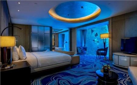 Choáng với độ 'chịu chơi' của đoàn phim 'Cá mực hầm mật', phòng khách sạn có giá lên tới 9 chữ số 3