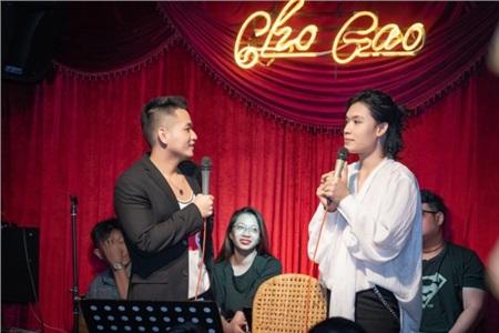 Lần đầu làm show riêng, Quang Trung khiến khán giả 'tròn mắt' vì hát live liên tục 23 ca khúc 3