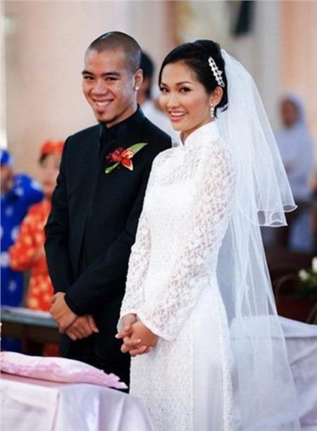 Kim Hiền rạng rỡ trong lễ cưới hồi năm 2010.