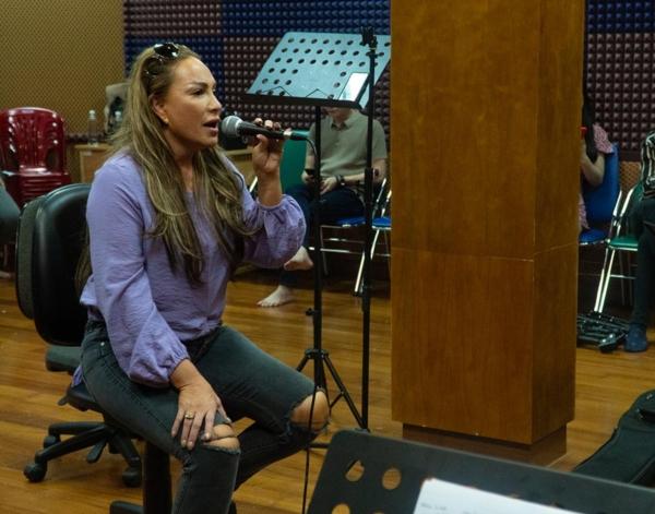 Trấn Thành nói gì khi hát live cùng dàn ca sĩ ca sĩ hàng đầu Việt Nam? 4