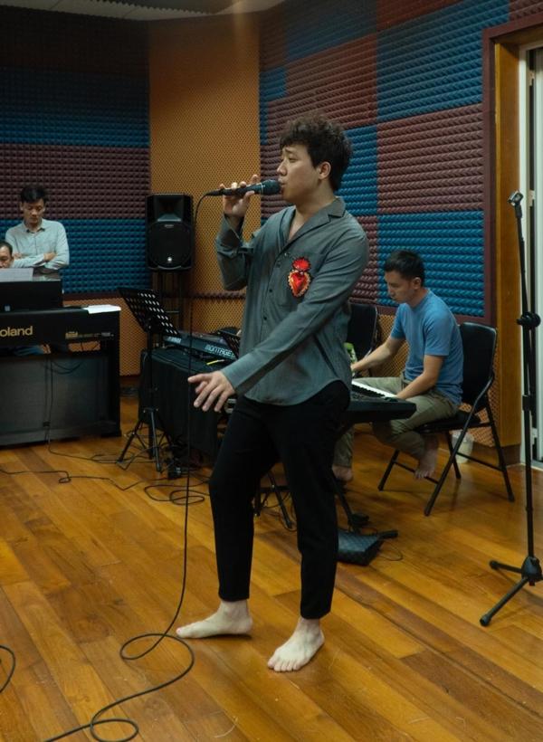 Trấn Thành nói gì khi hát live cùng dàn ca sĩ ca sĩ hàng đầu Việt Nam? 1