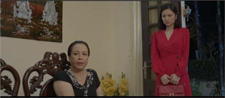 'Hoa hồng trên ngực trái': Hồng Diễm chết lặng khi nghe chồng dặn con nhỏ sau này phải có nghề nghiệp ổn định, đừng ở nhà 'ăn bám' như mẹ 4