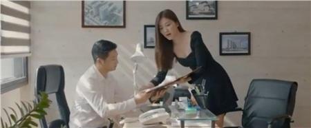 'Hoa hồng trên ngực trái' tập 2: Hồng Diễm muốn đi làm để thoát kiếp osin nhưng bị chồng cấm tiệt 4