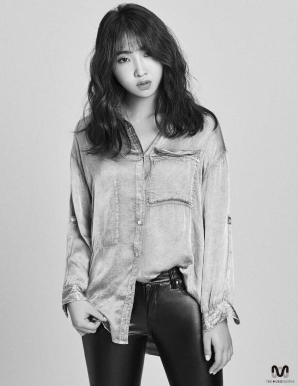 Minzy là 'nạn nhân' đầu tiên từ YG.