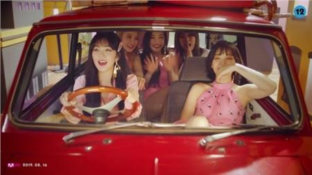 Tung MV mới với tên kỳ quặc, Red Velvet không quên 'cà khịa' luôn thành viên số nhọ Seulgi 1