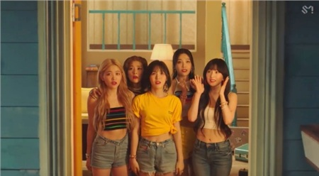 Tung MV mới với tên kỳ quặc, Red Velvet không quên 'cà khịa' luôn thành viên số nhọ Seulgi 2