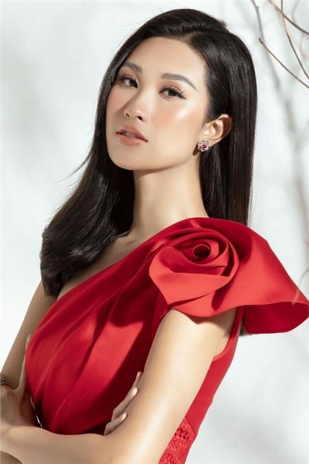 Top 15 Miss World Vietnam Anh Thư phủ nhận là 'gà' của Vũ Khắc Tiệp 1