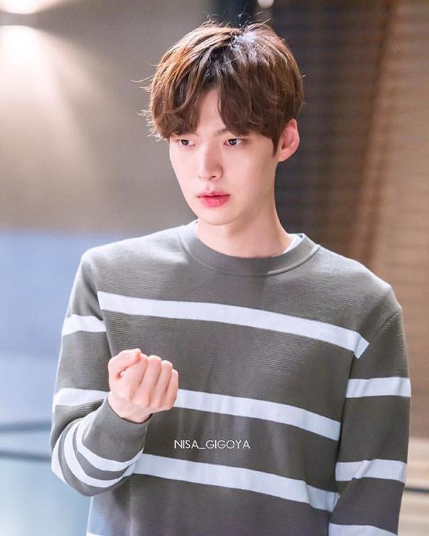 Dù không có khối tài sản 'kếch xù' thế nhưng những gì Goo Hye Sun tích luỹ được suốt thời gian qua cũng đủ để 'áp đảo' anh chồng Ahn Jae Hyun 3