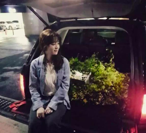 Goo Hye Sun và những chiếc xe hơi đắt tiền