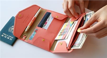 Chọn ví tiền phong thủy theo mệnh, tài lộc vào như nước, tiền đầy túi đếm không xuể 4