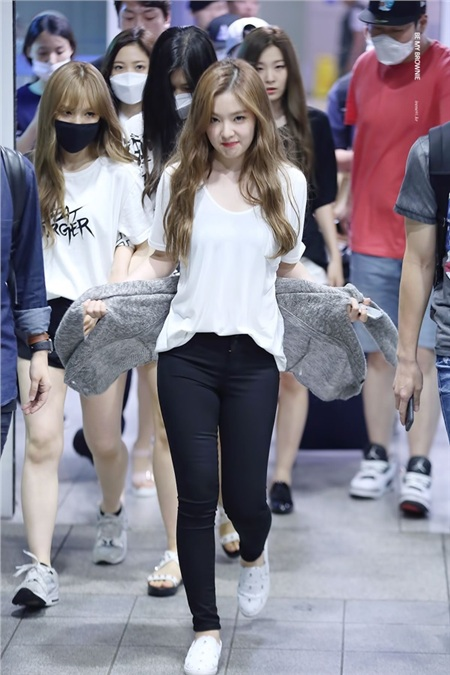 Tuy nhiên, điều đặc biệt là body của chị cả Red Velvet cân đối, cộng với làn da trắng mịn không tì vết cũng đã giúp cho Irene đẹp vạn người mê rồi