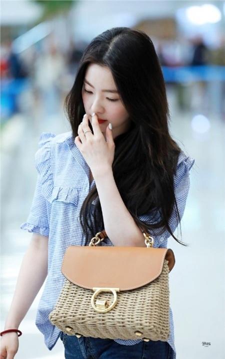 Ăn diệnđơn giản nhưng Irene luôn nhận được 'cơn mưa' lời khen từ netizen vì quá xinh đẹp