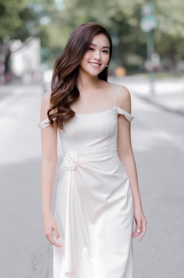 Á hậu Tường San chính thức đại diện Việt Nam tham gia Miss International 2019 2