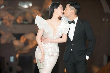 Khánh Thi và chồng kém tuổi Phan Hiển 'chiếm spotlight' trong đám cưới đại gia Minh Nhựa vì quá tình tứ 3