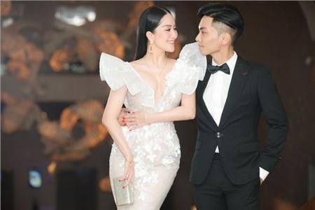 Khánh Thi và chồng kém tuổi Phan Hiển 'chiếm spotlight' trong đám cưới đại gia Minh Nhựa vì quá tình tứ 4