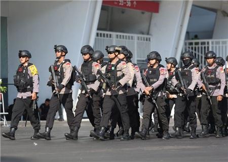 Nước chủ nhà đã huy động rất nhiều cảnh sát để đảm bảo an ninh trước và sau trận đấu.