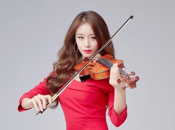 Trong phim, JiYeon vào vai Ha Eun Joo - nghệ sĩ violin xinh đẹp từng làm tan vỡ biết bao trái tim đàn ông.