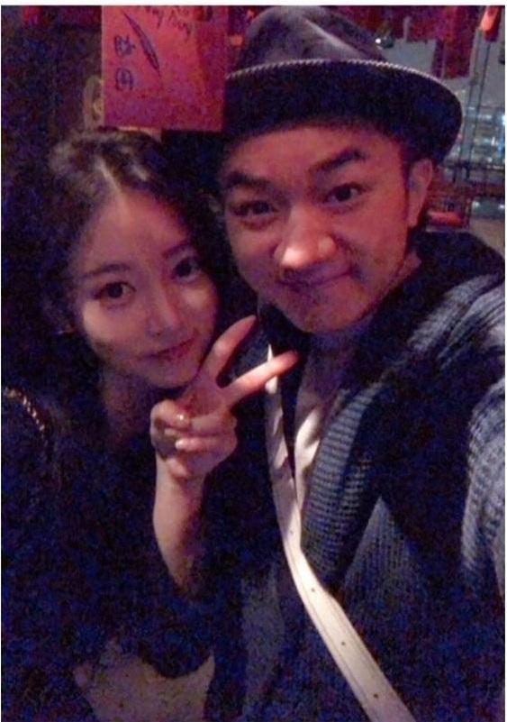 SoYeon và đạo diễn Vương Tổ Lam