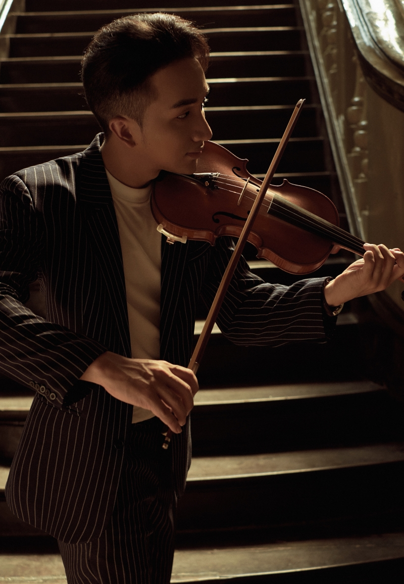 'Trò chuyện' của Hoàng Rob: Cây violin 'so giọng' với những ca sĩ tài năng 1