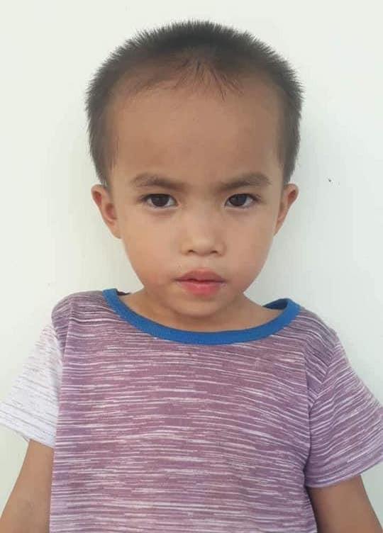 Hình ảnh cháu Vương được gia đình đăng tải trên các phương tiện thông tin để nhờ tìm kiếm.