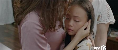 'Hoa hồng trên ngực trái': Ám ảnh ánh mắt bé Bống khi chứng kiến bố Thái đánh mẹ Khuê 1