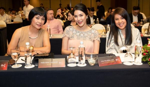 Lan Khuê bụng bầu 8 tháng vẫn xinh đẹp làm giám khảo cuộc thi hoa hậu sắc đẹp quốc tế 4