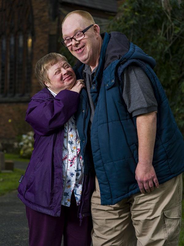 Cuộc hôn nhân hạnh phúc kéo dài 27 năm của cặp vợ chồng bị Down khiến nhiều người ngưỡng mộ 1