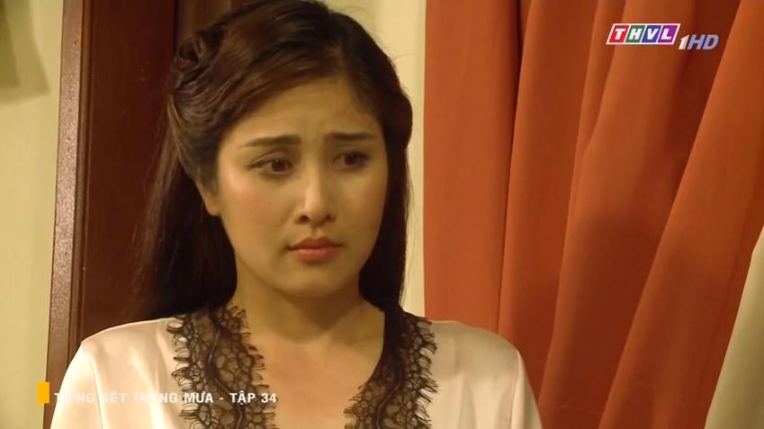 'Tiếng sét trong mưa' tập 34: Số nhọ như thầy thuốc của bà Hạnh Nhi, vừa tỏ tình xong đã mất việc ngay lập tức 1