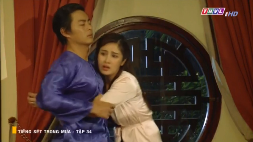 'Tiếng sét trong mưa' tập 34: Số nhọ như thầy thuốc của bà Hạnh Nhi, vừa tỏ tình xong đã mất việc ngay lập tức 4