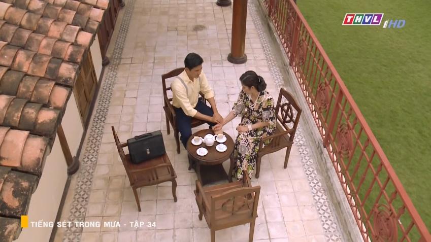 'Tiếng sét trong mưa' tập 34: Số nhọ như thầy thuốc của bà Hạnh Nhi, vừa tỏ tình xong đã mất việc ngay lập tức 12