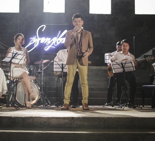 Tập 4 The Songbook: Hồ Trung Dũng nhớ về mẹ khi hát 'Mười năm tình cũ' 1