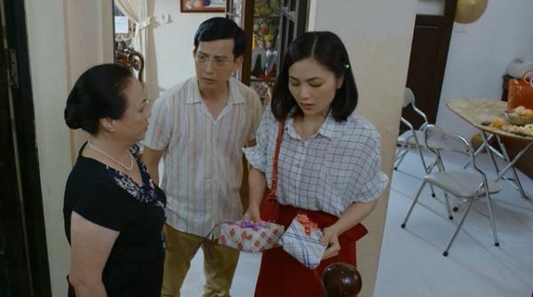 Bà Kim từng nhiều lần mạo danh người tặng quà rồi lấy cớ đay nghiến con dâu.