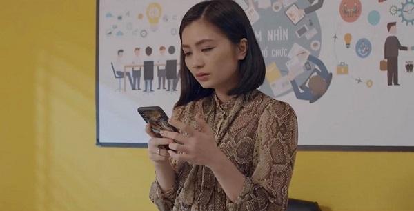 San đứng hình khi đọc tin nhắn của chồng.