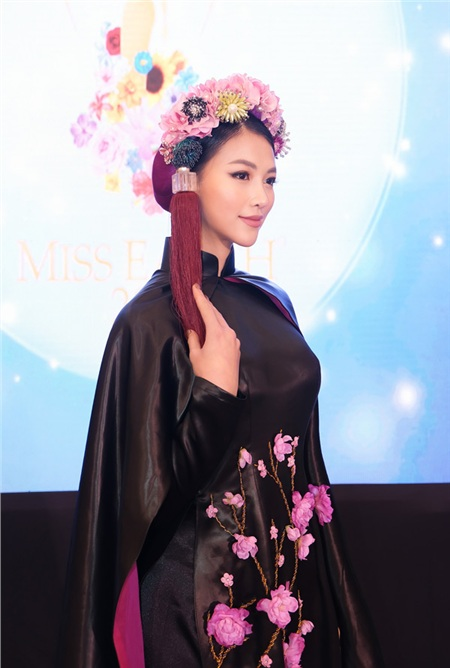 Phương Khánh diện áo dài hơn nửa tỉ chấm thi trang phục dân tộc tại Miss Earth 2019 2