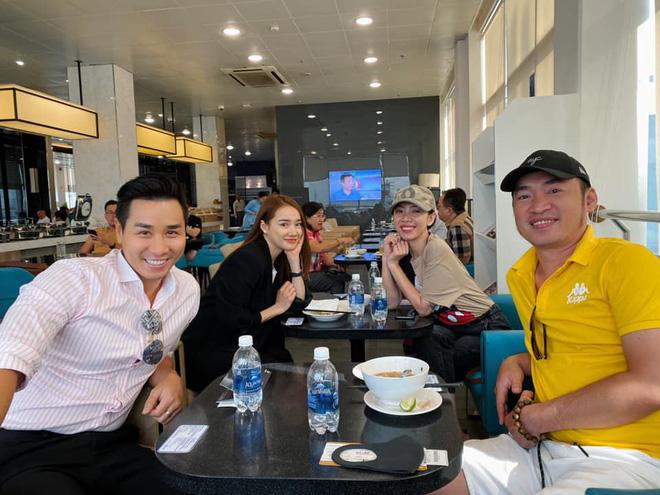 Nguyên Khang vàvợ chồng Thu Trang - Tiến Luật, Nhã Phương