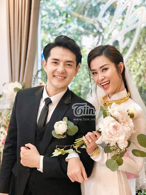 Buổi lễ kết hôn của 'cặp đôi đượcmong đợi nhất Vbiz' sẽ được diễn ra theo timeline vào lúc 17h15 trên bãi biển xinh đẹp Vinpearl Phú Quốc.