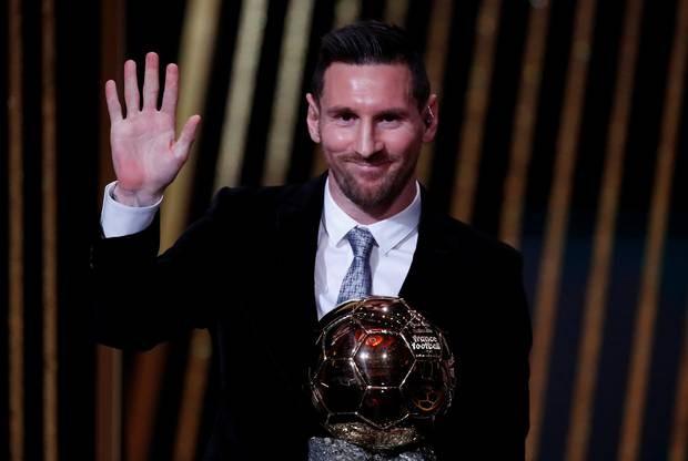 Danh hiệu Quả bóng vàng thứ 6 dành cho Lionel Messi. (Nguồn: Independent)