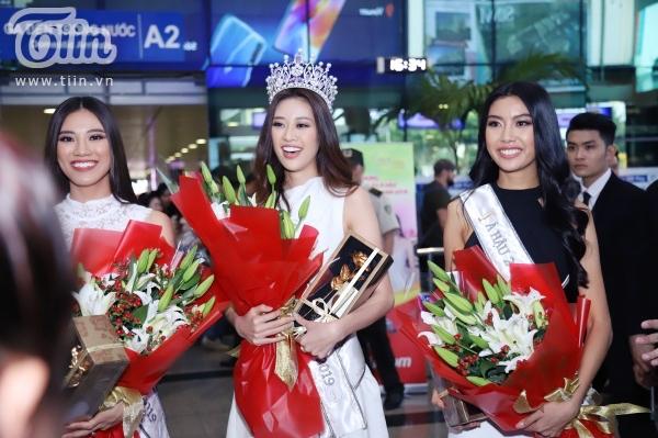 Fan xếp hàng dài đón Top 3 HHHVVN tại sân bay, Khánh Vân bật khóc vì hạnh phúc 1