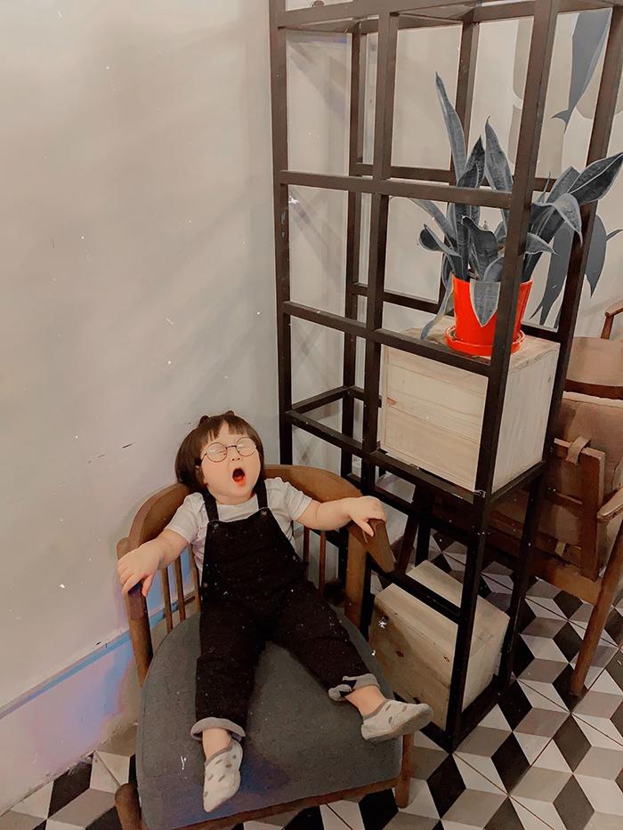 'Cưng xỉu' trước loạt biểu cảm phụng phịu siêu dễ thương của bé gái 2 tuổi tại Đà Lạt 14