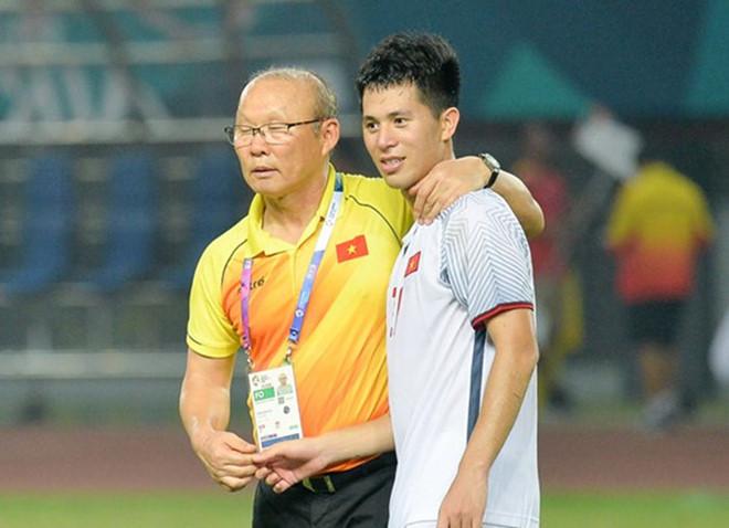 Vì sao HLV Park Hang-seo sớm loại Đình Trọng? 0
