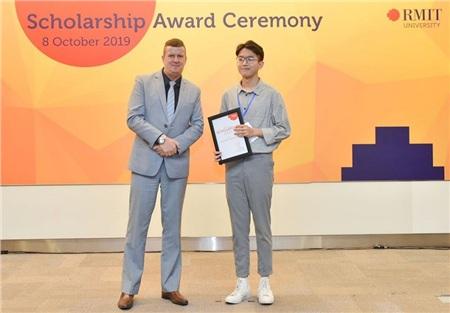 Khiêmxuất sắc giành học bổng toàn phần của RMIT Việt Nam năm 2019