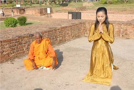Loạt sao Việt khoác áo nâu, quy y cửa Phật 4