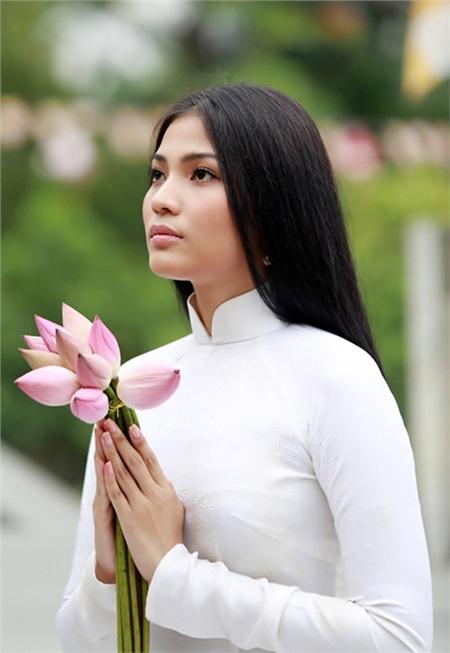 Năm 2014, cô được bình chọn làSao nữ ăn chay hấp dẫn nhất châu Á.