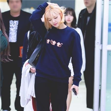 Gu thời trang khác biệt của hai quý cô tuổi Tý nhà TWICE: Sana ngọt ngào, Jungyeon chuẩn 'ngự tỷ' 14