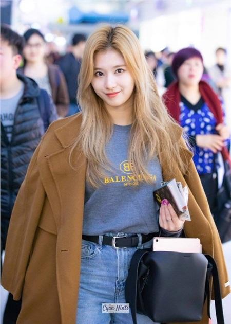 Gu thời trang khác biệt của hai quý cô tuổi Tý nhà TWICE: Sana ngọt ngào, Jungyeon chuẩn 'ngự tỷ' 7