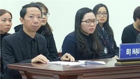 Ông Lê Văn Sơn đau đớn mỗi khi kể về đứa con bé bỏng của gia đình (ảnh TL)