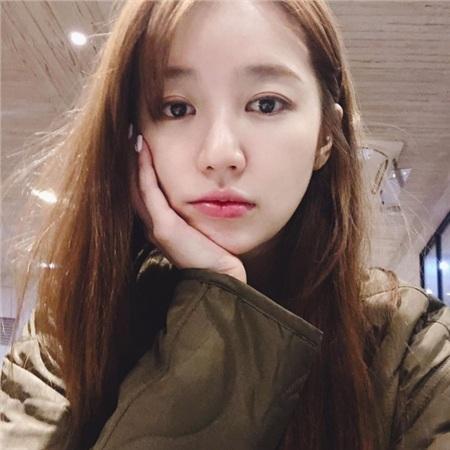 Ít hoạt động nghệ thuật đi hẳn kể từ khi dính scandal, Yoon Eun Hye lắm lúc vẫn khiến dân tình 'hoảng hốt' với gương mặt chẳng khác gì mấy so với thời mới đầu 2.