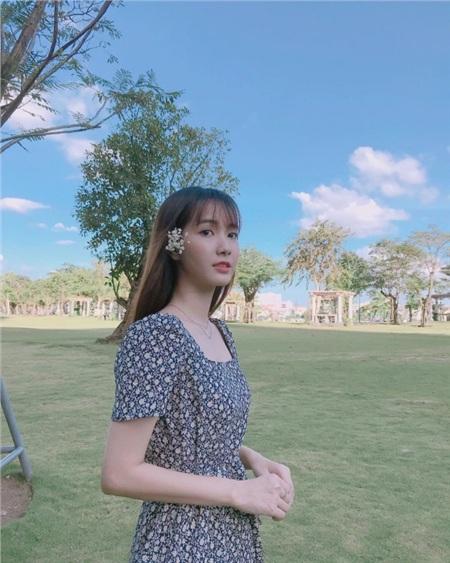 Là 'thánh nữ cover' trong lòng fan Việt, Jang Mi luôn khiến người hâm mộ nhớ đến với một giọng ca trong trẻo, cách làm nghề, sống với nghề chuẩn mực và nhan sắc mong manh, đáng yêu.