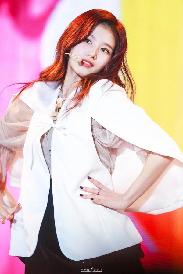 96-line của showbiz Hàn: Ai nấy đều đẹp như tiên tử, thần thái đến thời trang đều đỉnh của đỉnh 9