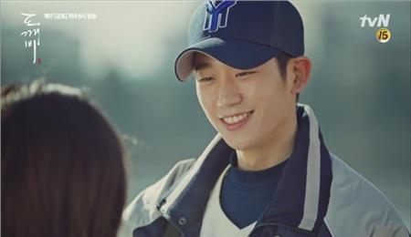 Jung Hae In - chàng trai có nụ cười tỏa sáng nhất Hàn Quốc, ngày càng thành công nhưng 3 phim gần đây chỉ có 1 kiểu nhân vật 8